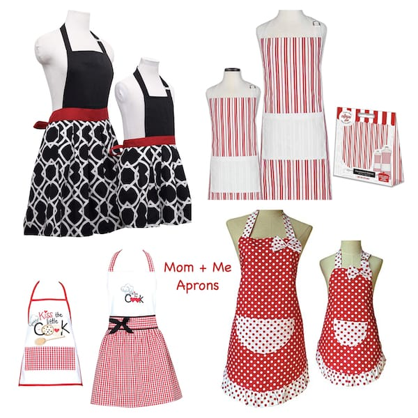 Mom-and-Me-Matching-Red-and-White-Aprons