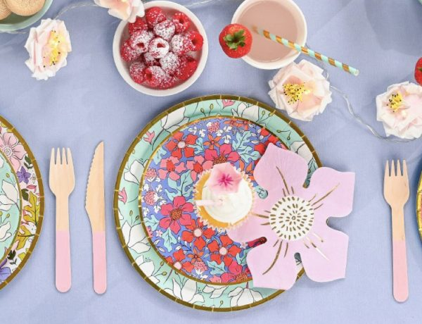 Printable Easter Games & Pretty Spring Tableware