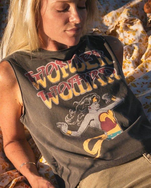 Wonder Woman Vintage Logo Muscle Tank